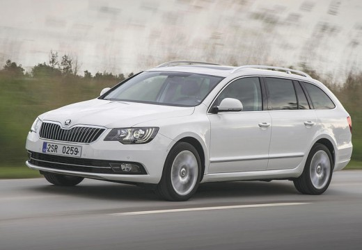 SKODA Superb 2.0 TSI Business DSG Kombi II 200KM (benzyna)