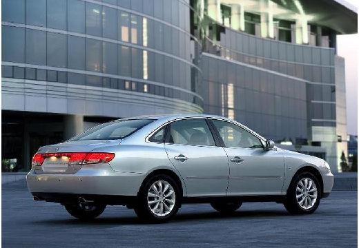 HYUNDAI Grandeur sedan silver grey tylny prawy