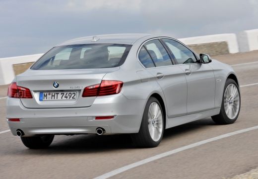 BMW Seria 5 F10 II sedan silver grey tylny prawy