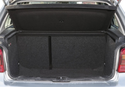 VOLKSWAGEN Golf IV hatchback przestrzeń załadunkowa