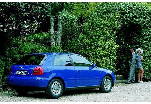 AUDI A3 /S3 8L I hatchback niebieski jasny tylny prawy