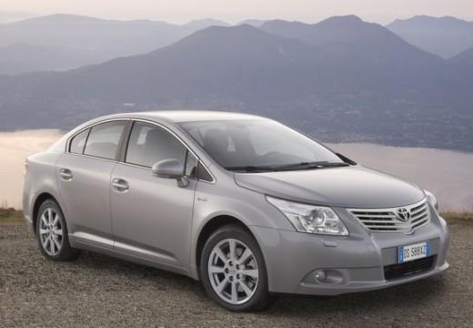 Toyota Avensis sedan silver grey przedni prawy