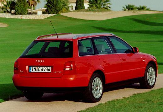 AUDI A4 Avant B5 kombi czerwony jasny tylny prawy