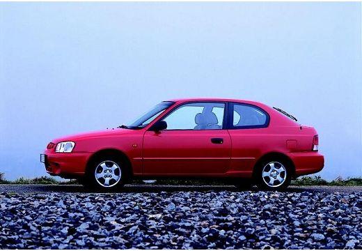 HYUNDAI Accent II hatchback czerwony jasny boczny lewy