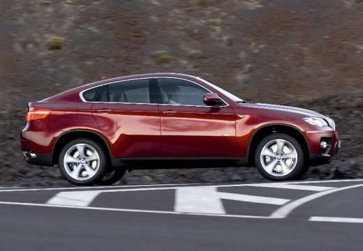BMW X6 X 6 E71 hatchback czerwony jasny boczny prawy