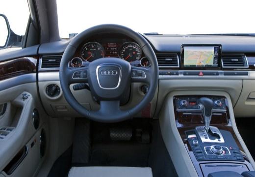 AUDI A8 4E II sedan tablica rozdzielcza