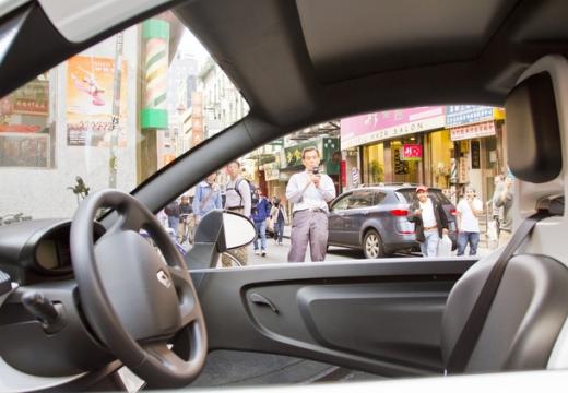 RENAULT Twizy hatchback wnętrze