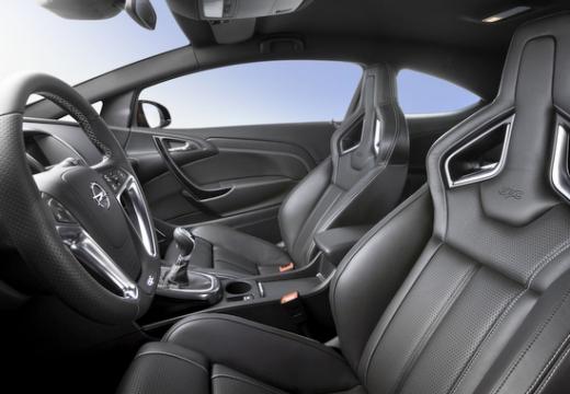 OPEL Astra IV GTC II hatchback wnętrze