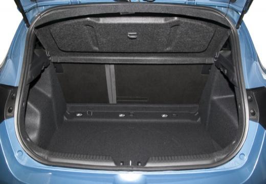 HYUNDAI i30 III hatchback niebieski jasny przestrzeń załadunkowa