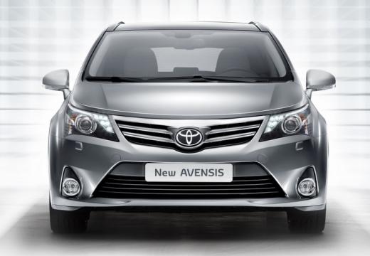 Toyota Avensis kombi silver grey przedni