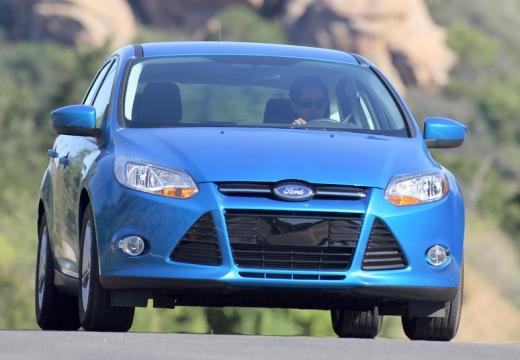 FORD Focus V hatchback niebieski jasny przedni prawy