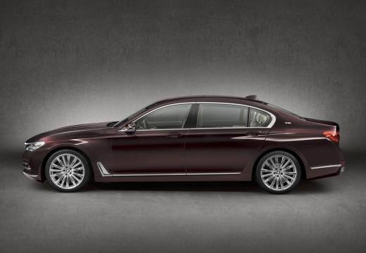 BMW Seria 7 sedan fioletowy boczny lewy