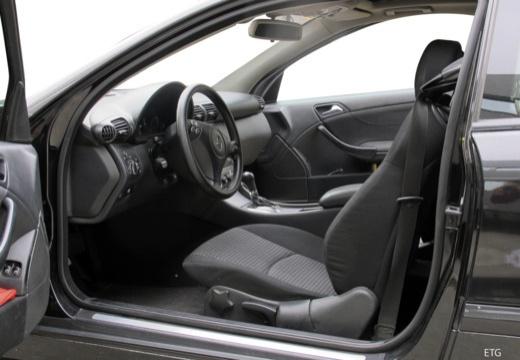 MERCEDES-BENZ Klasa C Sport CL203 I coupe wnętrze