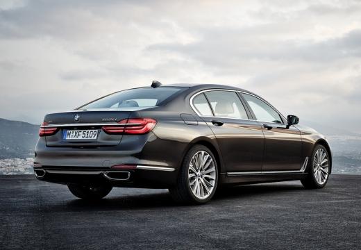 BMW Seria 7 G11 G12 I sedan czarny tylny prawy