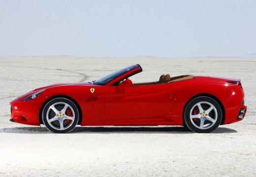 FERRARI California kabriolet czerwony jasny boczny lewy