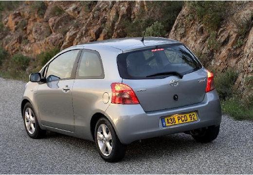 Toyota Yaris III hatchback silver grey tylny lewy