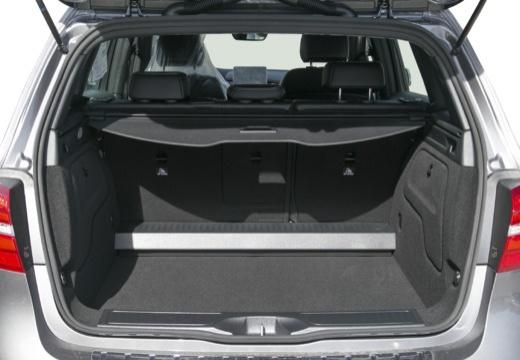 MERCEDES-BENZ Klasa B IV hatchback przestrzeń załadunkowa