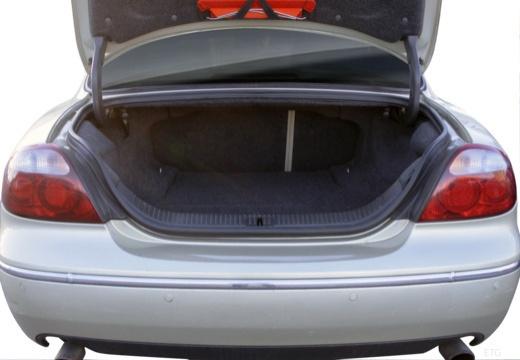 JAGUAR S-Type III sedan przestrzeń załadunkowa
