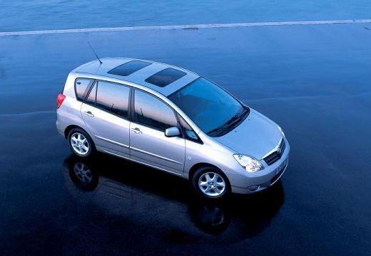 Toyota Corolla Verso I kombi mpv silver grey przedni prawy