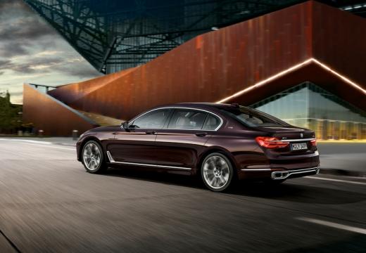 BMW Seria 7 sedan fioletowy tylny lewy