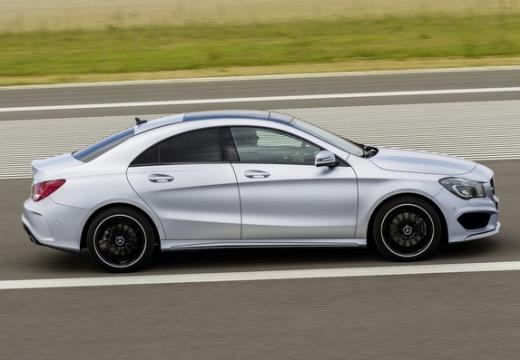 MERCEDES-BENZ Klasa CLA sedan silver grey boczny prawy