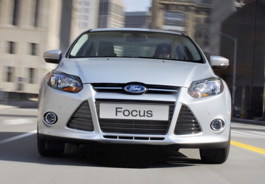FORD Focus V hatchback silver grey przedni