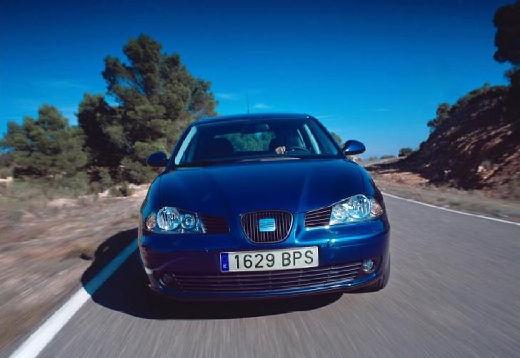 SEAT Ibiza IV hatchback niebieski jasny przedni