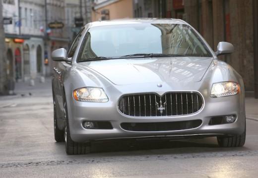 MASERATI Quattroporte sedan silver grey przedni prawy