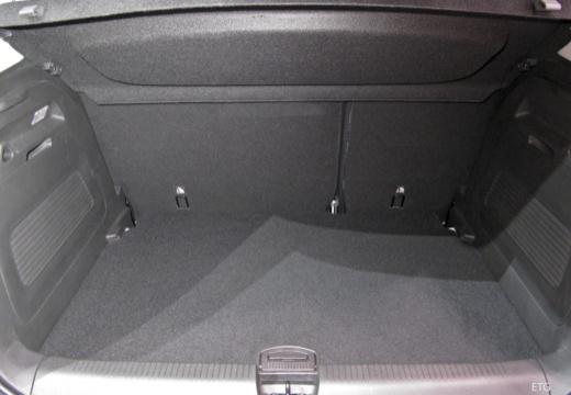OPEL Crossland X hatchback przestrzeń załadunkowa