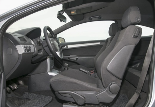 OPEL Astra III GTC I hatchback szary ciemny wnętrze