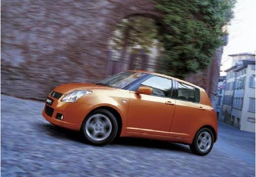 SUZUKI Swift hatchback pomarańczowy przedni lewy
