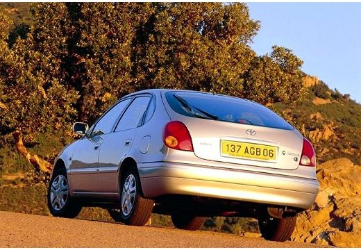 Toyota Corolla hatchback silver grey tylny lewy