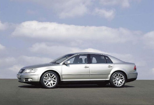 VOLKSWAGEN Phaeton sedan silver grey boczny lewy
