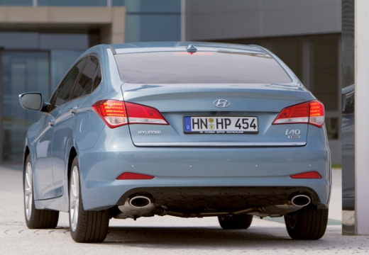 HYUNDAI i40 sedan niebieski jasny tylny lewy