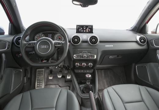 AUDI A1 Sportback II hatchback tablica rozdzielcza