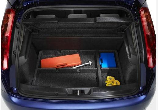FIAT Punto Grande hatchback niebieski jasny przestrzeń załadunkowa