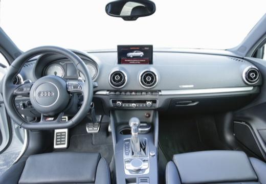 AUDI A3 Limousine sedan tablica rozdzielcza