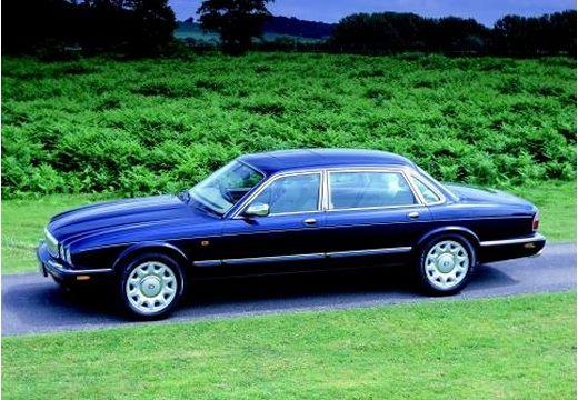 JAGUAR XJ III sedan niebieski jasny przedni lewy