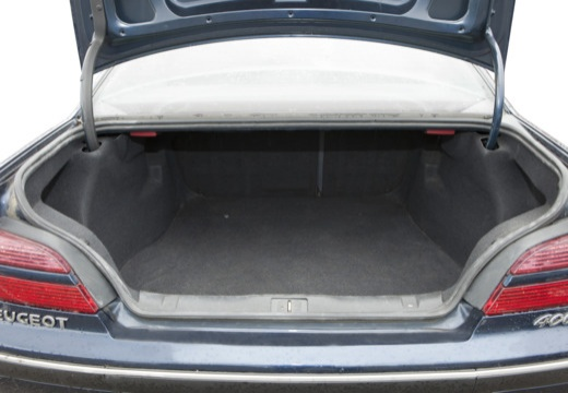 PEUGEOT 406 II sedan przestrzeń załadunkowa