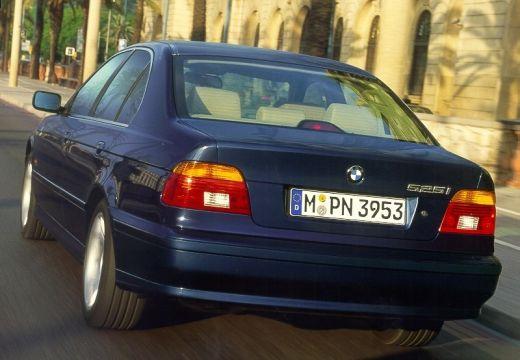 BMW Seria 5 E39/4 sedan niebieski jasny tylny lewy