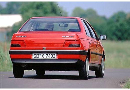 PEUGEOT 405 sedan czerwony jasny tylny prawy