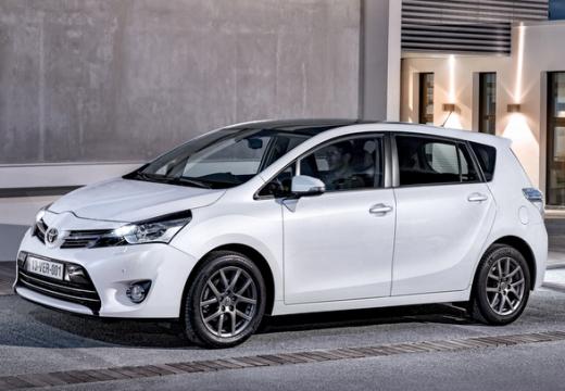 Toyota Verso, универсал, mpv передний левый белый