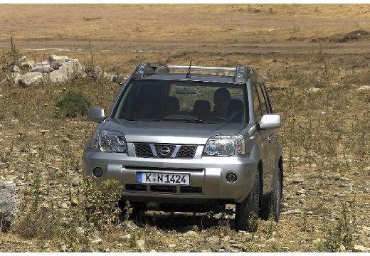 NISSAN X-Trail I kombi silver grey przedni lewy