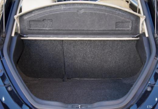 VOLKSWAGEN New Beetle II coupe przestrzeń załadunkowa