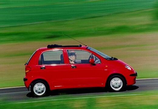 DAEWOO / FSO Matiz FSO hatchback czerwony jasny boczny prawy