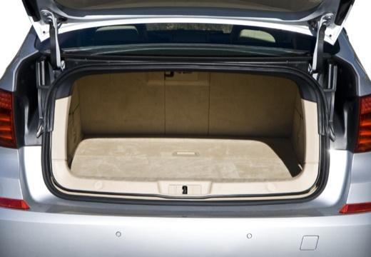 BMW Seria 5 Gran Turismo F07 I hatchback silver grey przestrzeń załadunkowa