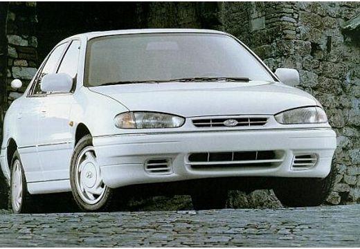 HYUNDAI Lantra sedan biały przedni prawy