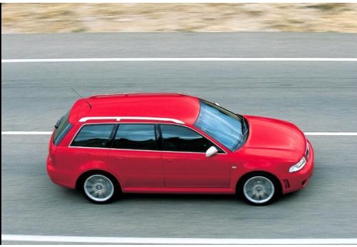AUDI A4 Avant B5 kombi czerwony jasny boczny prawy