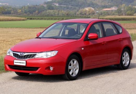 SUBARU Impreza I hatchback czerwony jasny przedni lewy