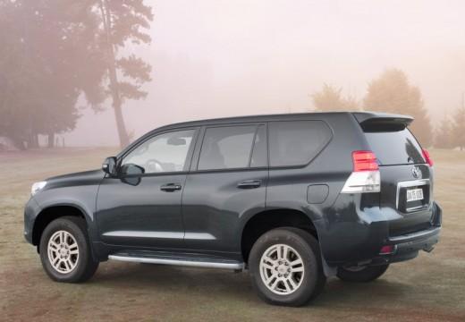 Toyota Land Cruiser V8 II kombi czarny tylny lewy